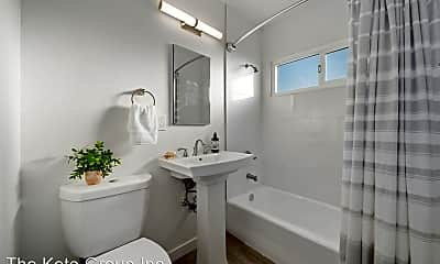 Bathroom, 240 Spring St, 2