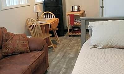 Bedroom, 383 College St, 1