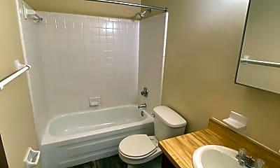 Bathroom, 123 Locke St, 2