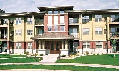 Building, Aurora Pointe Apartments, 0