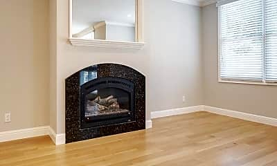Living Room, 1549 Lombard St, 1