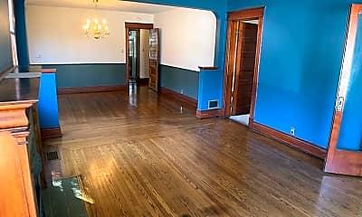 Living Room, 2855 Observatory Ave, 1