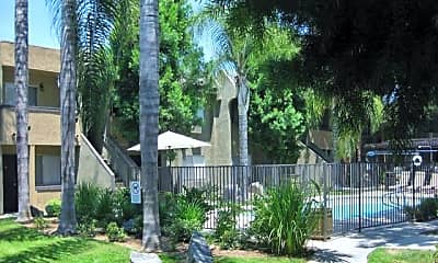 Scripps Poway Villas, 2