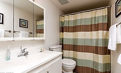 Bathroom, 3313 N 68th St 209, 2