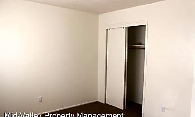 Bedroom, 33039 Rd 159, 2