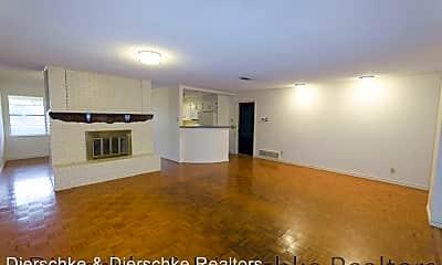 Living Room, 3220 Cumberland Dr, 1