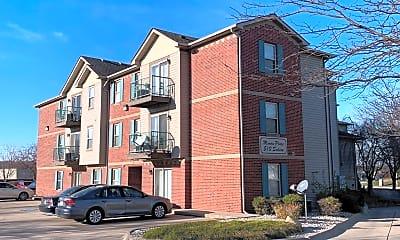 Building, 510 Salem St, 1