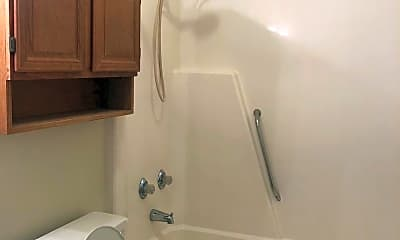 Bathroom, 1502B Dartmouth Ln, 1