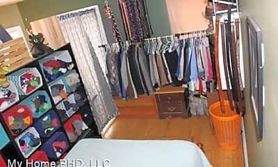 Bedroom, 2612 N Buffum St, 2