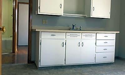 Kitchen, 610 Maple St, 1