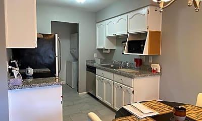 Kitchen, 16657 E Gunsight Dr 164, 1