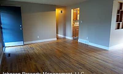 Living Room, 6912 N Fox Point Dr, 1