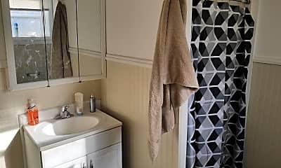 Bathroom, 502 Hamilton St, 2