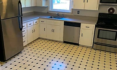 Kitchen, 3500 Park Ave, 1