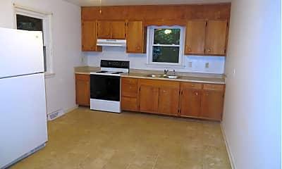 Kitchen, 39520 Harpers Corner Rd, 2