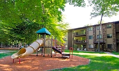 Lake Forest Apartments, 1