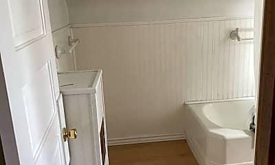 Bathroom, 234 Kosciusko St, 2