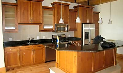 Kitchen, 541 E Erie St, 1