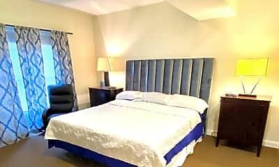 Bedroom, 529 E Town St, 2