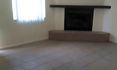 Living Room, 231 W Lee St, 1