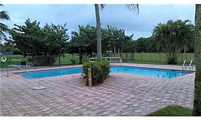 Pool, 4725 SW 62nd Ave, 2