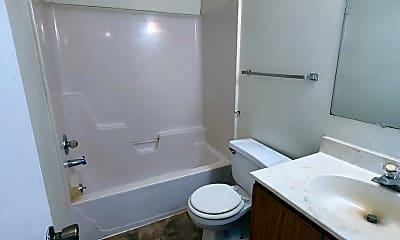 Bathroom, 140 E Chestnut St, 2
