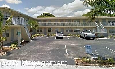 Building, 225 S B St, 2