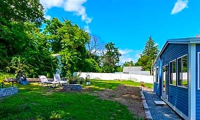 Building, 142 E Meadow Rd 1, 2