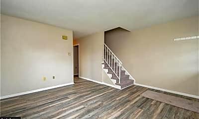 Living Room, 603 Poplar St, 1