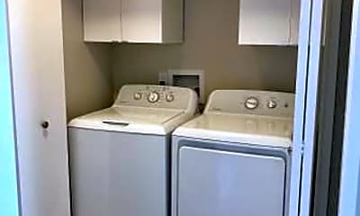 Kitchen, 68 Schooner Ct, 2
