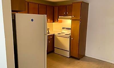 Kitchen, 416 Franklin Ave, 2