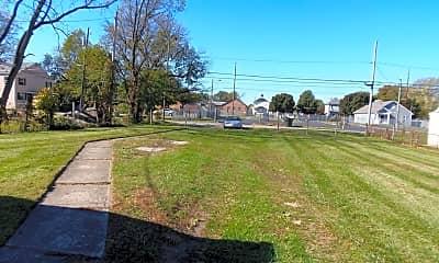 Building, 283 Clarendon Ave, 2