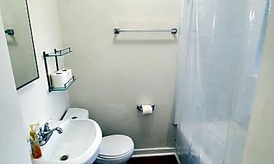 Bathroom, 833 Fedora St, 2