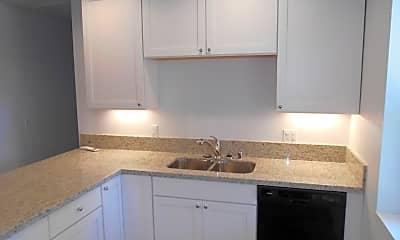 Kitchen, 112 Luzena Ave, 1