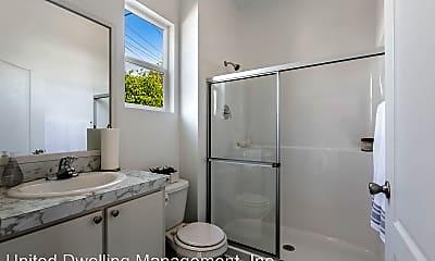 Bathroom, 1935 W 81st St, 2