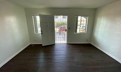 Living Room, 901 S 29th St, 1