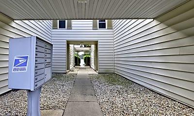 144 Oberlin Terrace 15B, 1