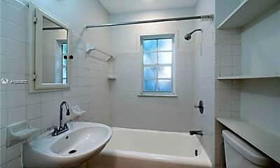 Bathroom, 4342 Sheridan Ave, 2