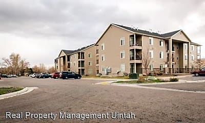Building, 320 350 W St, 0