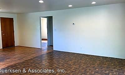 Building, 2840 SW Morris Ave, 1