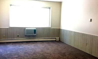 Living Room, 327 Mathews St, 1