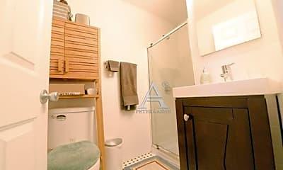 Bathroom, 172 E 108th St, 0