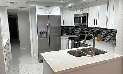 Kitchen, 1660 12 Oaks Way, 0