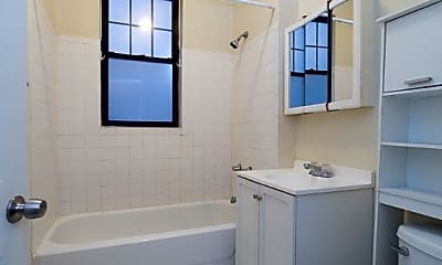 Bathroom, 723 W Barry Ave, 2