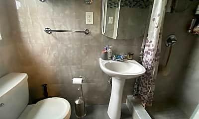 Bathroom, 300 Cedarhurst Ave 6H, 2