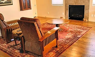 Living Room, 3120 E Cold Springs Trail, 1