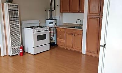 Kitchen, 194 Curtis St, 1