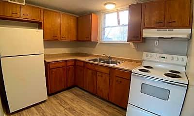 Kitchen, 400 N Cherrywood Ave, 1