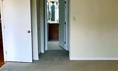 Bedroom, 2111 Wisconsin Ave 620, 2