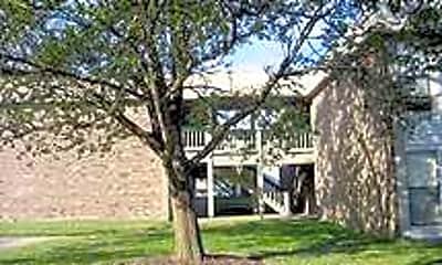 Building, Tivoli, 2